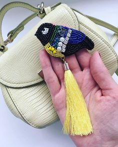 @Regranned from @anisimova_jewelry - Синичка от @anisimova_jewelry дополнит ваш образ и не оставит вас без внимания окружающих В наличии. Отправка в любой город России ✈️ #handmade #fashion #brooch #tomsk #jewelry #jevelry #gifts #томск #авторскаяброшь #синичка #брошьсиничка #москва #питер #красноярск #краснодар #сочи #брошьизбисера #брошь #брошьназаказ #подароктомск #брошьизбисера #handmadejewelry #handmade - #regrann