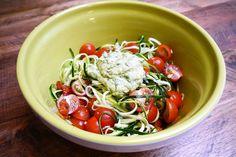 Recept: Courgettepasta met avocadopesto   How about healthy?