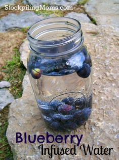 Blueberry Infused Water is delicious and all natural!This Blueberry Infused Water is delicious and all natural! Infused Water Recipes, Fruit Infused Water, Fruit Water, Fresh Fruit, Infused Waters, Water Water, Flavored Waters, Juice Smoothie, Smoothie Drinks