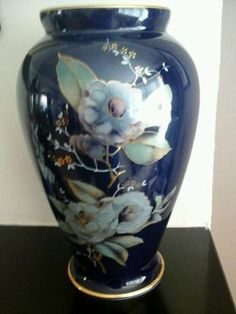 Beautiful Limoges vase, approximately 12 in tall. In excellent condition. PAYMENT PLEASE WITHIN THREE DAYS OF AUCTION