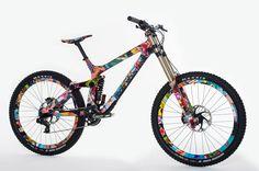 rieseldesign-rocky-mountain-mayden-downhill-mountain-bike-design01.jpg (1200×798)