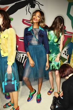 Burberry Fashion Show Backstage, more photos here > http://sonnyphotos.com/2014/09/burberry-prorsum-ss15-fashion-show-london-backstage