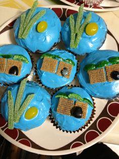 Sukkot Cupcakes Lulav and Esrog Etrog Cupcakes Sukkah Cupcakes Edible Crafts, Food Crafts, Holiday Fun, Holiday Crafts, Holiday Foods, Holiday Ideas, Sukkot Recipes, Jewish Recipes, Lulav And Etrog