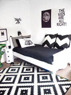 Love This Black And White Room Minus The Batman Theme. Would Make A Great  Guest