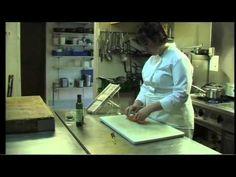 Une recette d'Emmanuelle Cazeneuve : Salade de lentilles aux oreilles de cochon confites Hôtel Restaurant des Maziès - 31250  REVEL