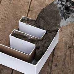 Pappformen vorher mit flüssiglatex ausgiessen - als feuchtigkeitssperre..