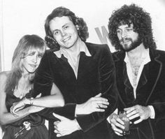 Stevie, Walter Egan & Lindsey who also produced Egan's album, played guitar & provided backing vocals on some of the tracks.