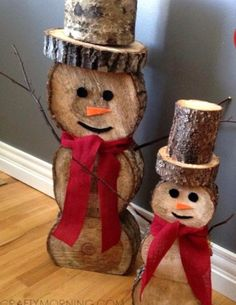 log-snowman-christmas-craft- decorating for christmas Easy Christmas Crafts, Rustic Christmas, Simple Christmas, Christmas Projects, Beautiful Christmas, Natural Christmas, Christmas Ideas, Snowman Decorations, Outdoor Christmas Decorations