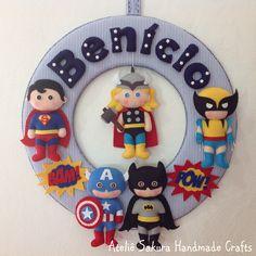 Guirlanda Porta de Maternidade tema Super Heróis para o Benício