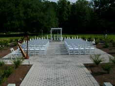 Rose Garden wedding ceremony at Leu Gardens, Orlando, Florida. This is a lovely setting with a fountain and gorgeous landscaping. #Orlando #wedding #location #harpist #harp