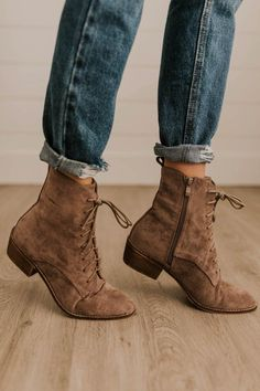 Women Boots Boots Online Womens Hiker Boots Fashion Ankle Boots With S – geraniumrlily Boots For Short Women, Short Boots, Boots Women, Womens Brown Boots, Womens Fall Boots, Brown Thigh High Boots, Brown Boots Outfit, Booties Outfit, Tan Booties