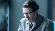 Trailers, promos, clip, images and posters for the new sci-fi drama series PROJECT BLUE BOOK starring Aidan Gillen. Drama Series, Book Series, Project Blue Book, Aidan Gillen, Michael Malarkey, Sci Fi News, Blue Books, Old Tv, Actors
