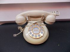 Vintage Knights Bridge Rotary Style Push Button Phone Model 954 Creme Color