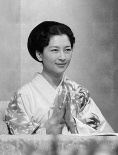 美智子さま  皇太子妃美智子さま。  撮影日:1964年04月09日