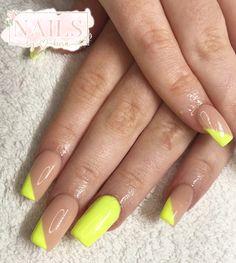 #nails #nailsofinstagram #nailart #acrylicnails #ombrenails #pinknail #nailideas #girlynails #nailinspiration Neon Yellow Nails, Nailart, My Nails