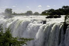 The Victoria Falls is one of Africa's most popular attractions, often described as the gateway to adventure in Africa. Carel Loubser investigates this world-famous natural wonder… Stuff To Do, Things To Do, Victoria Falls, Aesthetic Beauty, Niagara Falls, Wilderness, Fun Facts, Safari, Waterfall