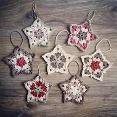 Matawi's Crea's: Granny Stars Garland. With link to pattern
