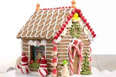 A simple, sturdy, edible dough for gingerbread house construction. this is the one I used in 2019 Christmas Gingerbread House, Gingerbread Houses, Gingerbread Cookies, Christmas Houses, Christmas Holiday, Holiday Fun, Xmas, Construction Gingerbread Recipe, Italian Christmas Bread