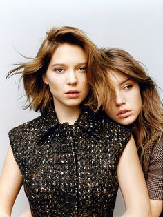 Lea Seydoux & Adele Exarchopoulos - Blue Is The Warmest Color. Lea Seydoux Adele, Coiffure Hair, Blue Is The Warmest Colour, Color Blue, Turquoise Hair, Teal Hair, French Actress, Green Hair, Teal Green