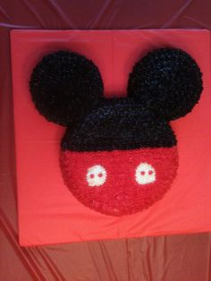 Mickey Cake. So stinkin easy and adorable!