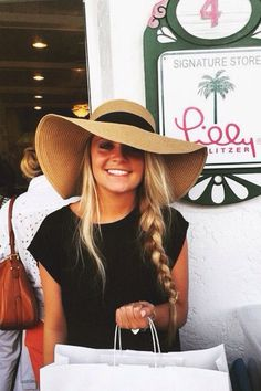 Floppy hats and braids Outfits With Hats, Cute Outfits, Look Fashion, Fashion Beauty, Floppy Hats, Floppy Summer Hats, Floppy Hat Outfit, Fedora Hat, Glam Dresses
