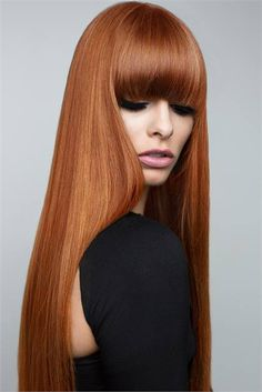 Auburn hair is basically the brunette version of red hair. It has the vivaciousness and warmth of red and ginger hair, but it also has a lot of natural brown Trending Hairstyles, Pretty Hairstyles, Updo Hairstyle, Latest Hairstyles, Hairstyle Ideas, Short Hairstyles, Hair Ideas, Beautiful Red Hair, Copper Hair