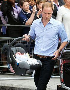 El príncipe William tiene solo horas de paternidad pero ya luce como todo un experto