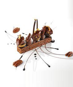 Le grand cru Taïnori 64%, effeuillé de praliné à la noix de pécan, crémeux muscovado, glace dominicaine - Château Saint-Martin & Spa