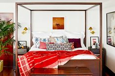 From George Clooney to Julianne Moore, Inside Our Favorite Celebrity Bedrooms via @domainehome