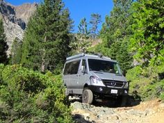 Rock crawling with the 4x4 Sprinter (photo: Doug Chase)