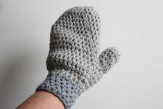 Free Crochet Pattern Mittens, Wonderfully Warm and Easy To Make! Crochet Home, Hand Crochet, Free Crochet, Crochet Patterns For Beginners, Baby Knitting Patterns, Crochet Ideas, Baby Blanket Crochet, Crochet Baby, Crochet Gloves