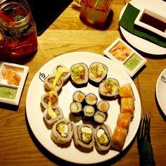 Die schönsten Gastgärten in Wien – Teil 1   1000things Wiener Schnitzel, Sushi Restaurants, Die Macher, Restaurant Bar, Breakfast, Ethnic Recipes, Waffles, Food, Fine Dining