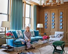 Step Inside Tory Burch's Refined Manhattan Office Entrepreneurial exuberance meets personal style at the fashion mogul's elegant Manhattan office, handsomely appointed by her frequent collaborator Daniel Romualdez | archdigest.com