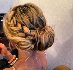 25+ Current Long Hairstyles for Prom  #current #hairstyles