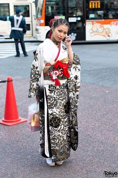 On Coming of Age Day 2014 (held on January 13th) – as we've done in past years – Tokyo Fashion's photographers headed for the famous Shibuya Scramble to shoot kimono pictures for those of you who couldn't be here to see them in person.