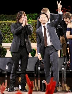 Seriously love Steven Yeun Norman Reeds (Daryl Dixon) & Steven Yeun (Glenn Rhee) at the Talking Dead Premiere Event on October Amc Twd, Dead King, Best Zombie, Glenn Rhee, Steven Yeun, Talking To The Dead, The Walking Dead Tv, Carl Grimes, Great Tv Shows