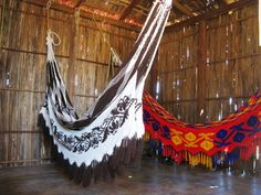 wayuu chinchorro Outdoor Furniture, Outdoor Decor, Hammock, Fabrics, Textiles, Home Decor, Culture, Tejidos, Decoration Home