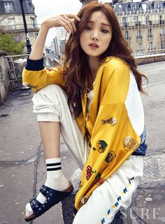 Lee Sung-kyung 이성경 (born August is a South Korean model and actress. She is known for her roles in different dramas such as It's Okay, That's Love Cheese in theTrap Doctors Style Ulzzang, Ulzzang Fashion, Asian Fashion, Girl Fashion, Korean Actresses, Korean Actors, Korean Girl, Asian Girl, Mode City