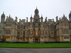 Harlaxton Manor, Grantham, England This is where I lived and went to school during my time abroad in college! England And Scotland, England Uk, Beautiful Castles, Beautiful Places, Monuments, Great Places, Places To See, English Estates, Lincolnshire England