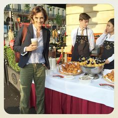 Selling breakfasts for @mecenatcardiaque ❤️ #Paris #today #now