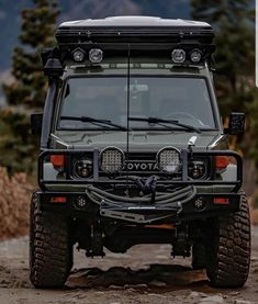 Best classic cars and more! Toyota 4x4, Toyota Trucks, Toyota Cars, 4x4 Trucks, Ford Trucks, Land Cruiser 4x4, Toyota Cruiser, Land Cruiser 70 Series, Best Classic Cars