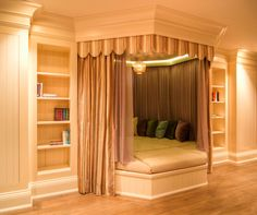 boring room... awesome bed