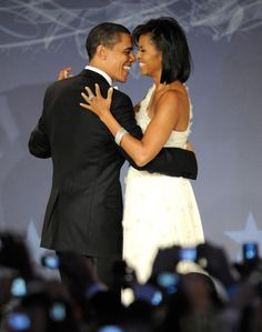 Barack-Michelle-Obama-Cute-Couple-Pictures (1)