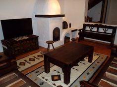 Vrei o casă tradițională ca a lui Doru Munteanu? Uite că-ți dă lista lui cu meșteri | Adela Pârvu - Interior design blogger Traditional House, Architecture Design, Toddler Bed, Interior Design, Table, Romania, Furniture, Cottages, Home Decor