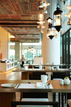 C-Salt is the international all-day dining restaurant that offers al fresco and indoor seating.  #rayong #marriott #thailand