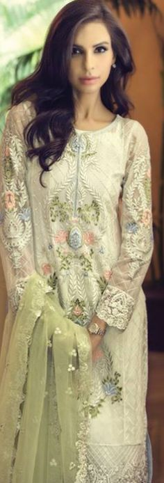 Latest Maria B Eid Collection 2016 (Mbroidered Unstitched #eEidDresses