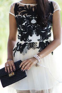 Sissy à la mode: White tull