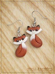 Cute Foxes earrings :) Handmade by VaniLlamaArt