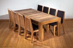 פינת אוכל הכוללת: שולחן אוכל מעץ אגוז אפריקאי במידות:110/220 ס