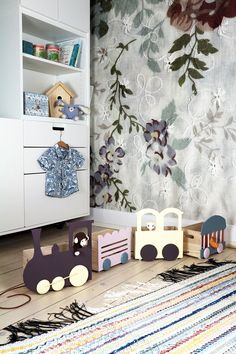 Monica-karlstein- DIY train with room for small stuff. Wallpaper on the wall: Mr Perswall Blossom